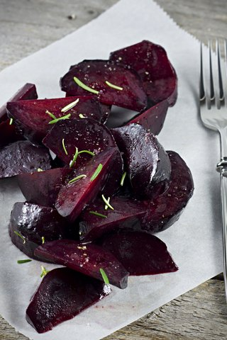 roasted beet and red onion salad red leaf salad with roasted beets ...